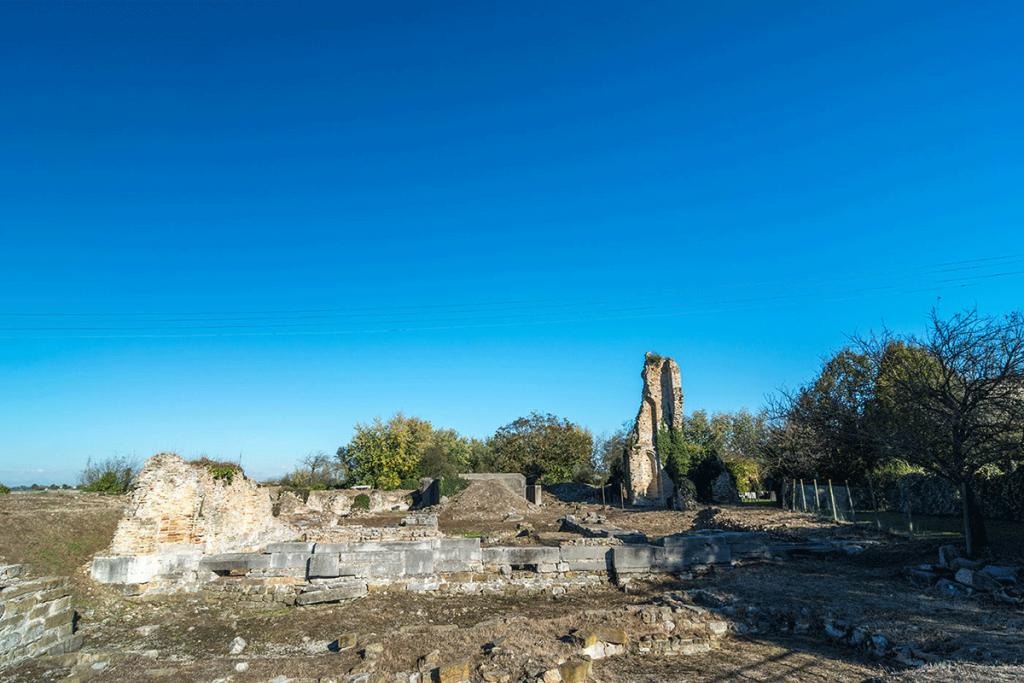Foto delle antiche mure di jesolo