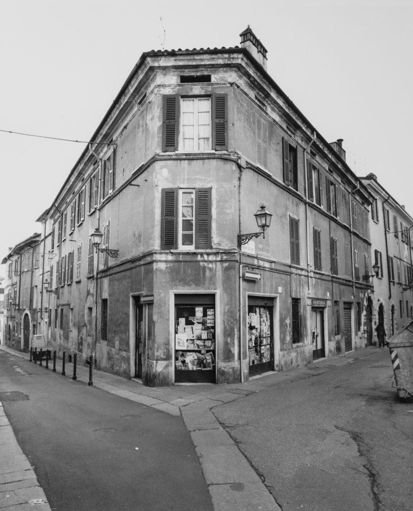 Oggi non si parla di monumenti o angoli storici: in arte Brescia è il racconto della città attraverso lo sguardo di alcuni artisti innamorati del posto in cui vivono