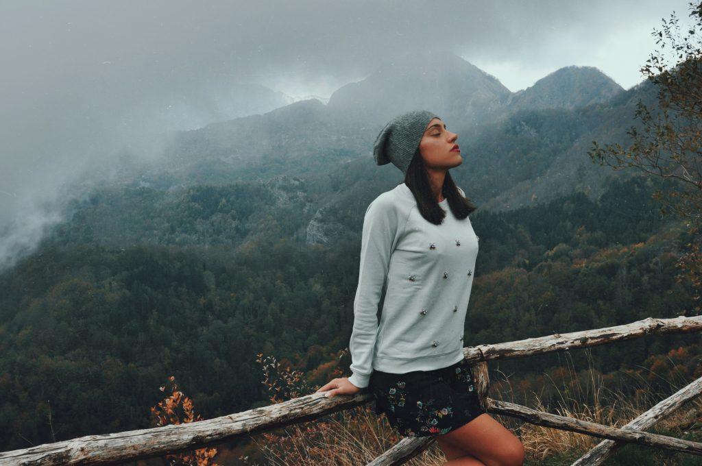 L'autunno va assaporato on the road, magari partendo da Forte dei Marmi per andare verso il cuore delle Alpi Apuane in cerca di un paesaggio mozzafiato