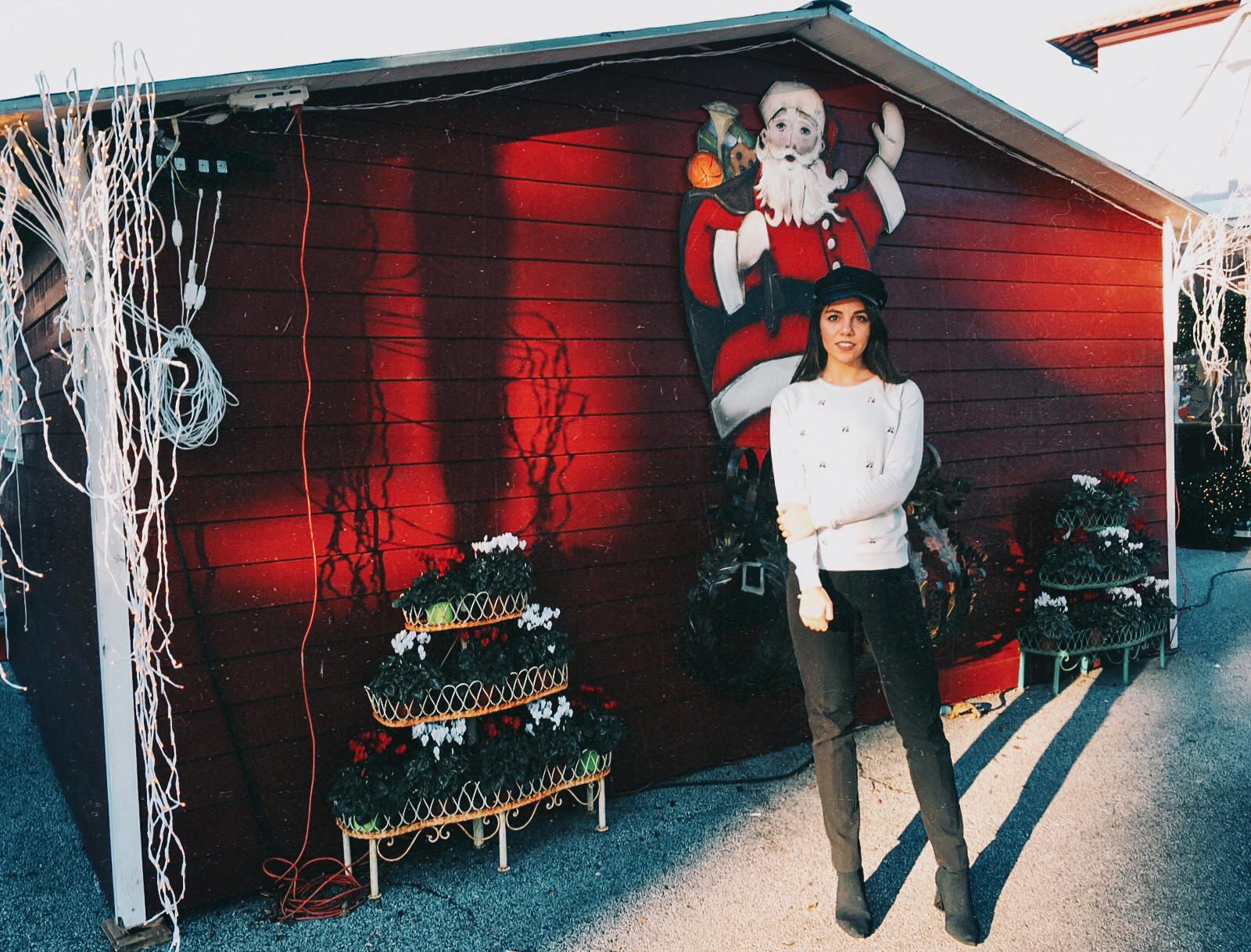 A Forte dei Marmi si respira aria di montagna, in un mercatino di Natale dove ci si sente come in una baita magica delle feste
