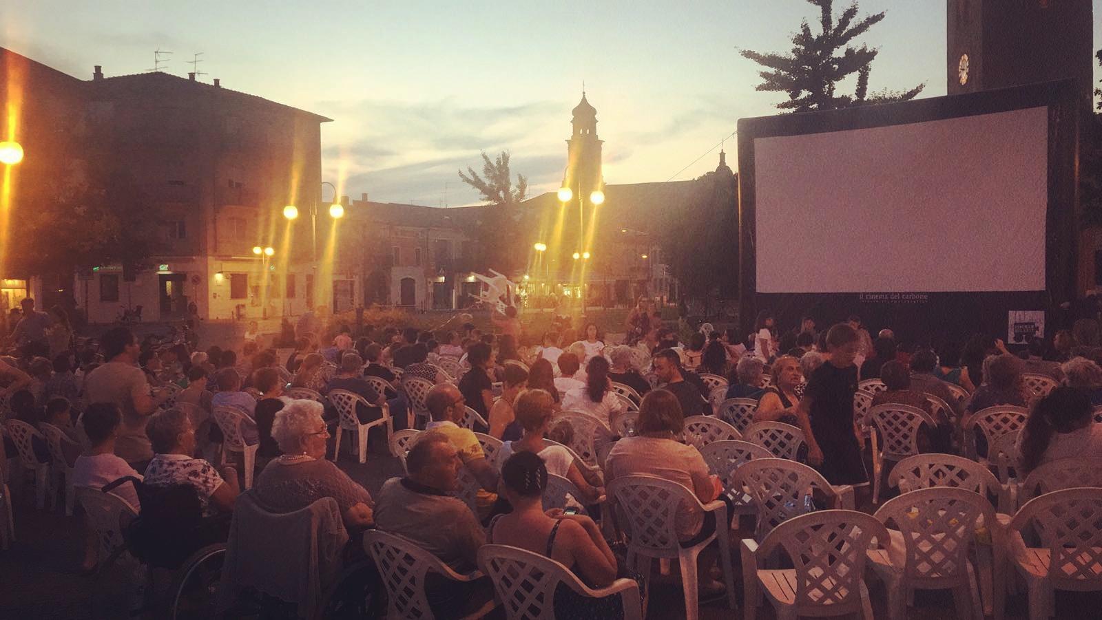 Il Cinema del Carbone di Mantova, dove si proiettano film e ci si proietta in laboratori, incontri, rassegne cinematografiche, concerti e visioni