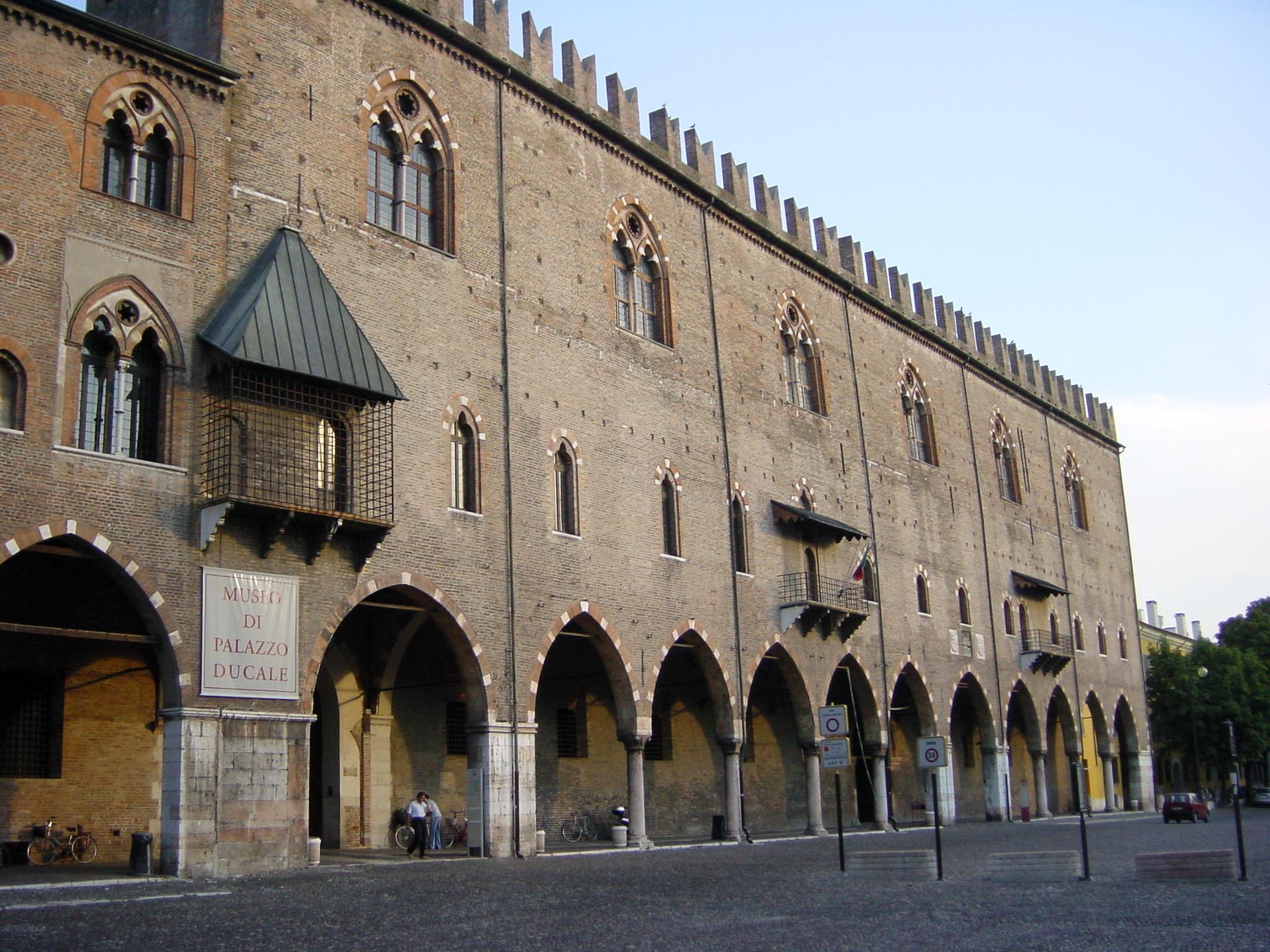 In un palazzo storico di Mantova nascono libri illustrati, mostre e visioni d'arte contemporanea. Qui ha sede la casa editrice-galleria Corraini