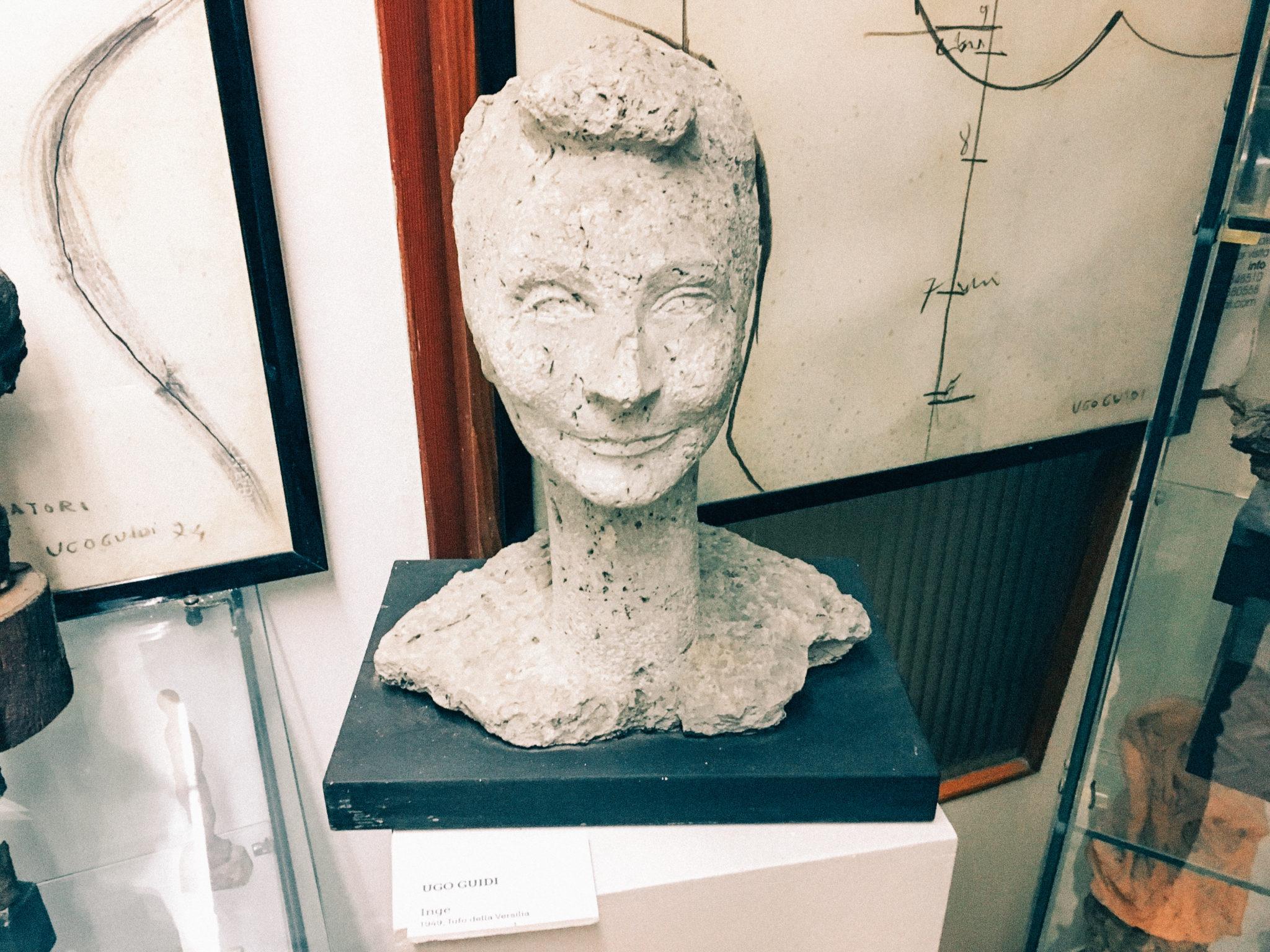 Il Museo Ugo Guidi, dove fra platani, pini e pioppi, nascevano sculture d'artista. Oggi la sua casa-atelier è un museo aperto a tutti