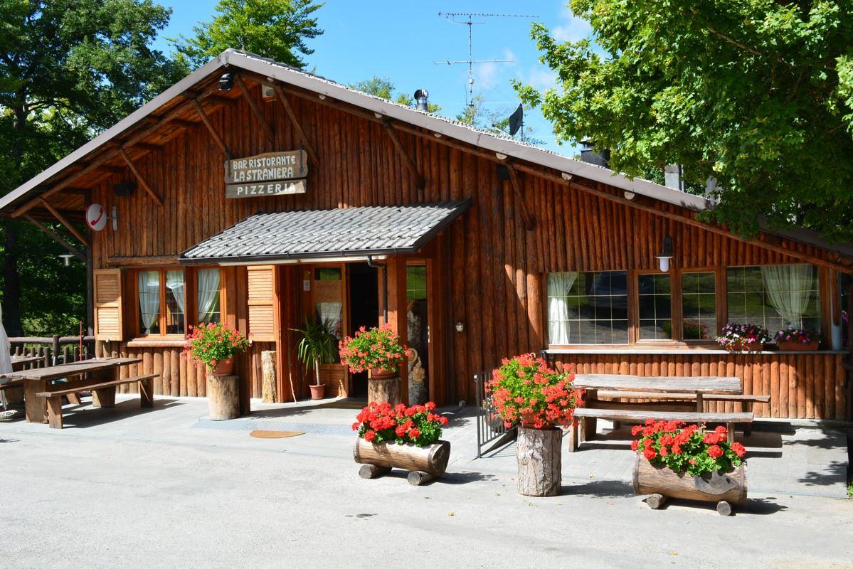Una birreria artigianale, un negozio di due designer, un borgo chiamato Trappola. Sono alcune mete dei dj di Riccione quando non stanno dietro la consolle