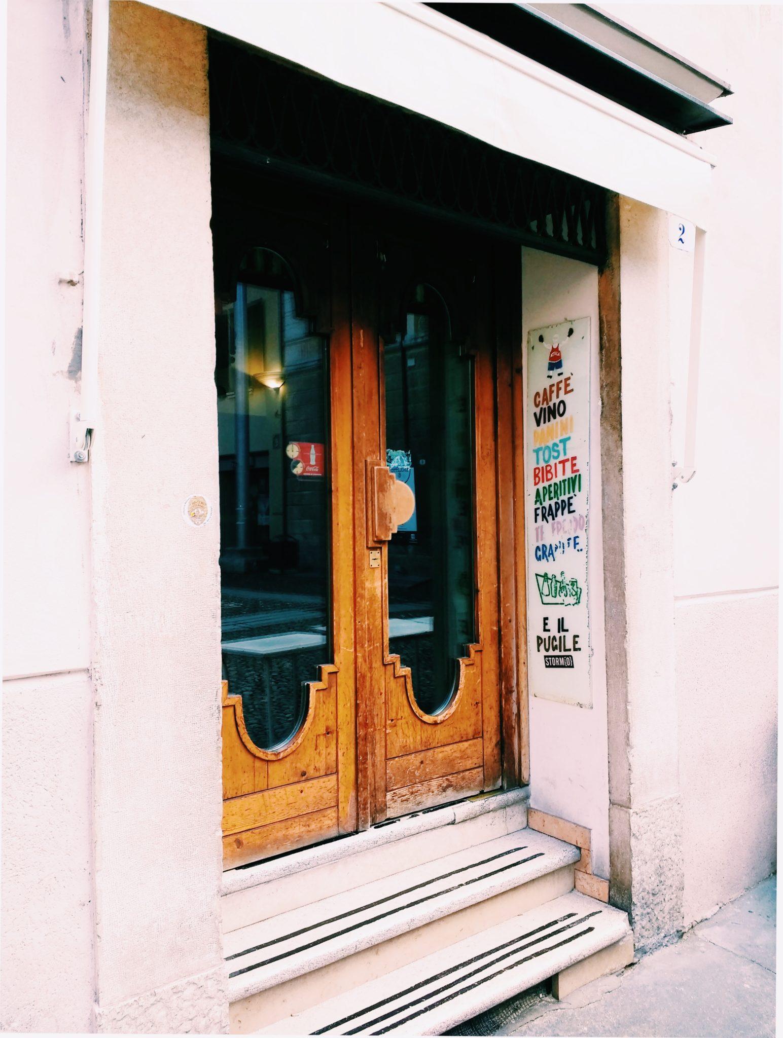 Come i passages parigini raccordano luoghi creando una dimensione onirica e meravigliosa. Ne abbiamo girati un po', per raccontare cosa c'è sotto