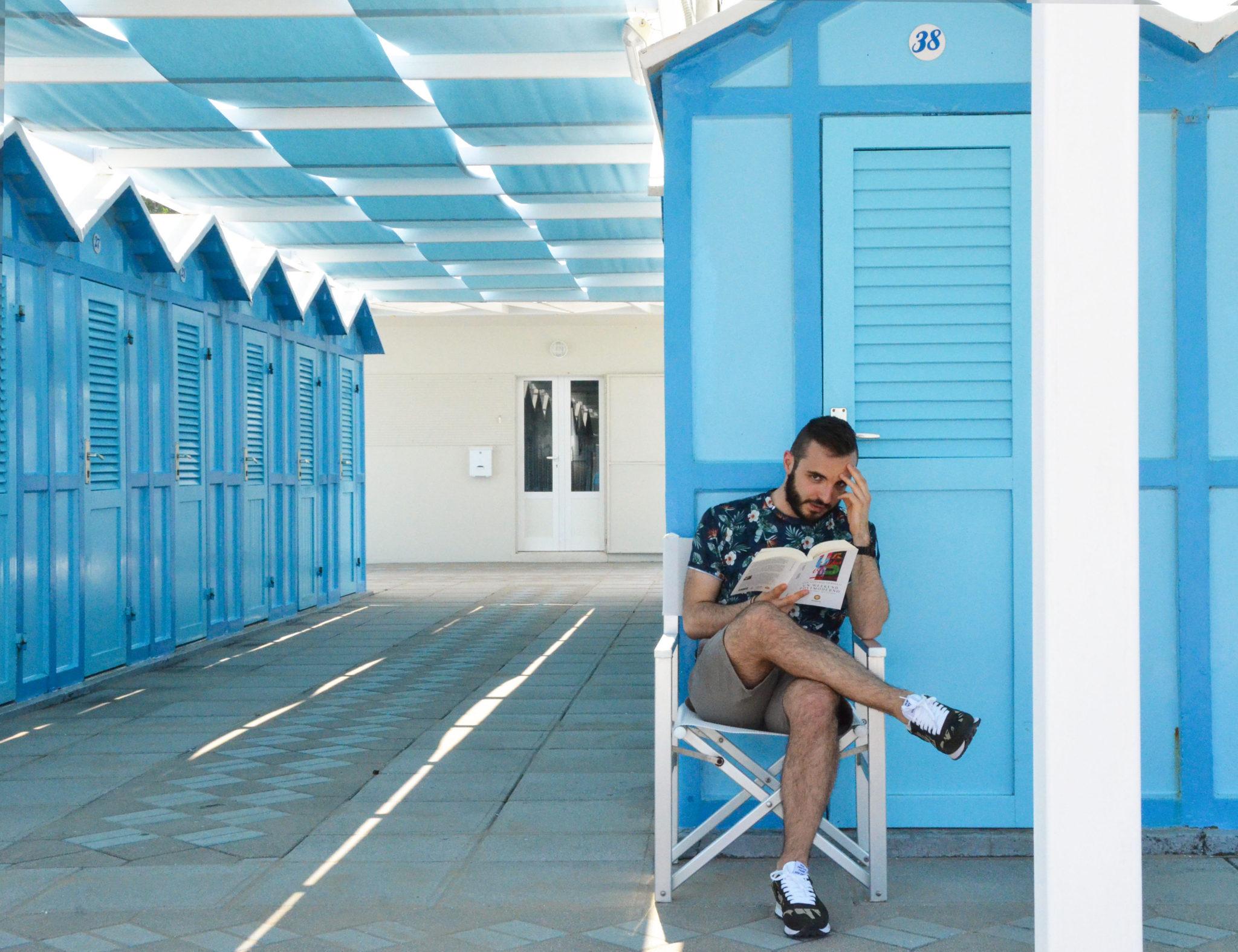 Riccione è meta di vacanza ma anche di letteratura. Da Pier Vittorio Tondelli a Fellini, 5 libri da portarvi sotto l'ombrellone ambientati proprio qui