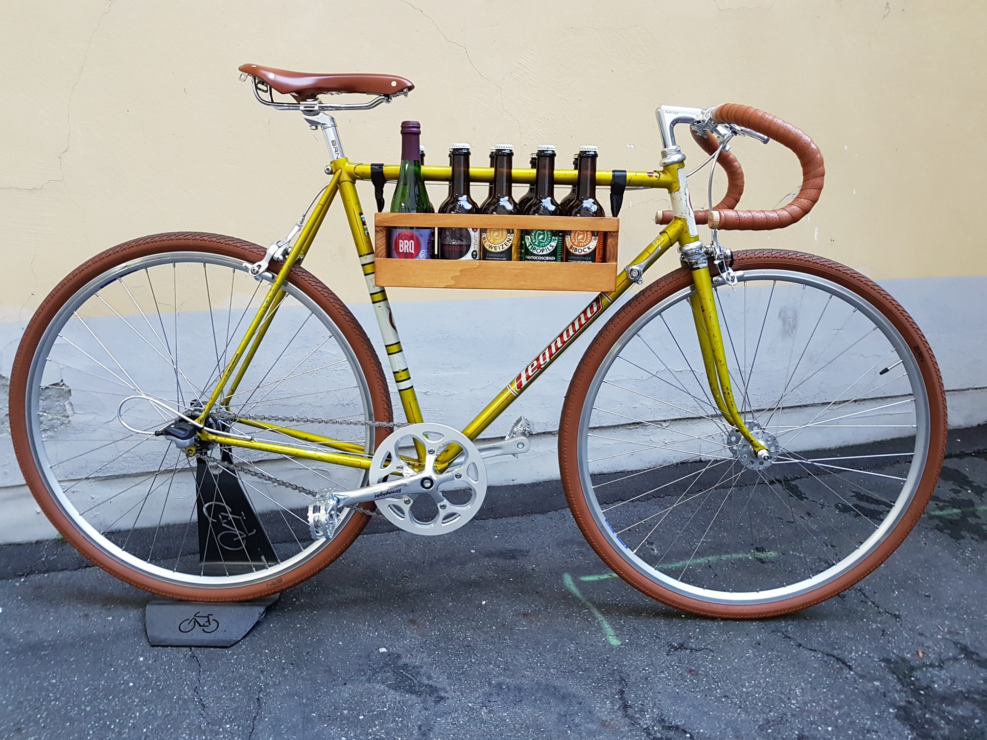 Si riparano biciclette, ci si ripara dall'inverno con tapas e birre artigianali. Bici&Birra a Torino unisce le passioni per il pedali e per il malto