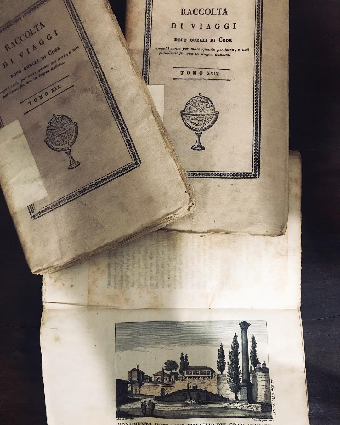 Martina Trevisan, 31 anni, ha aperto la libreria Zucherman: più di 40 mila libri, cartoline e pubblicità originali d'epoca, vecchi vinili e nuove scoperte