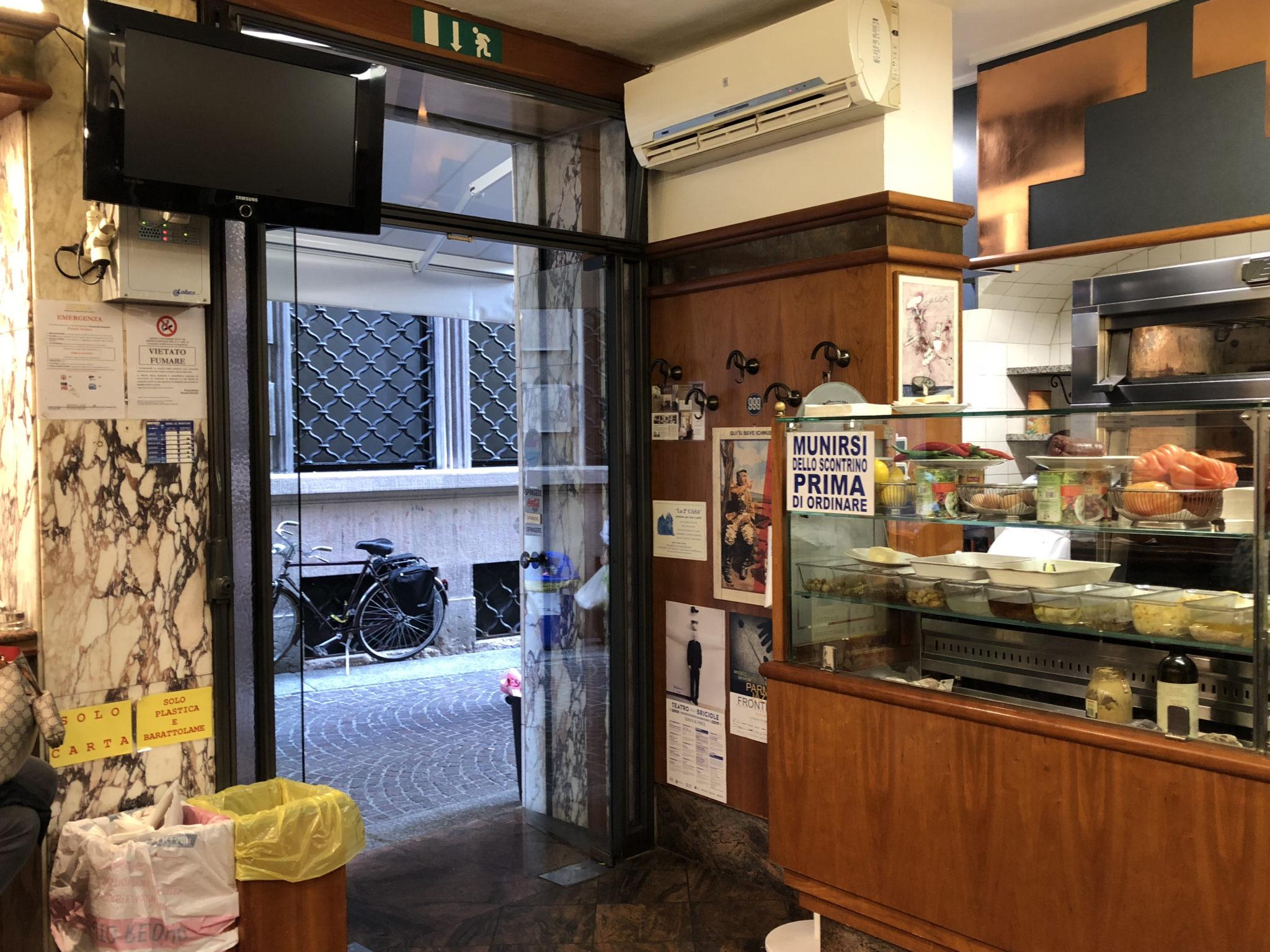 La paninoteca da Pepèn e la Clinica del Panino: giro in due luoghi di Parma dove sentirsi negli anni '50 e '70, con panini che han fatto storia