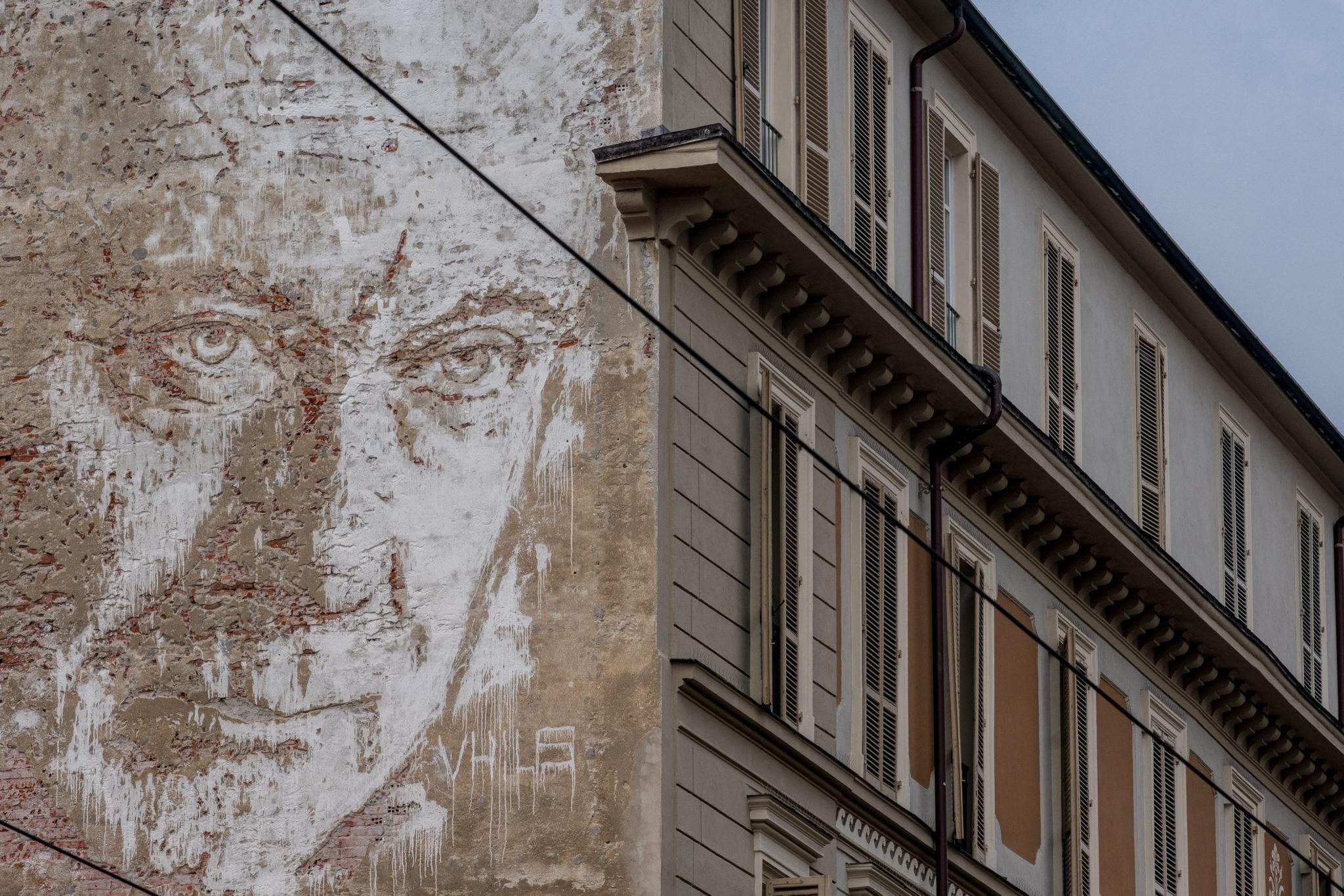 MurArte, progetto di street e urban art che fa rivivere i muri di Torino, compirà fra qualche mese 20 anni. Ecco un itinerario della città ridisegnata