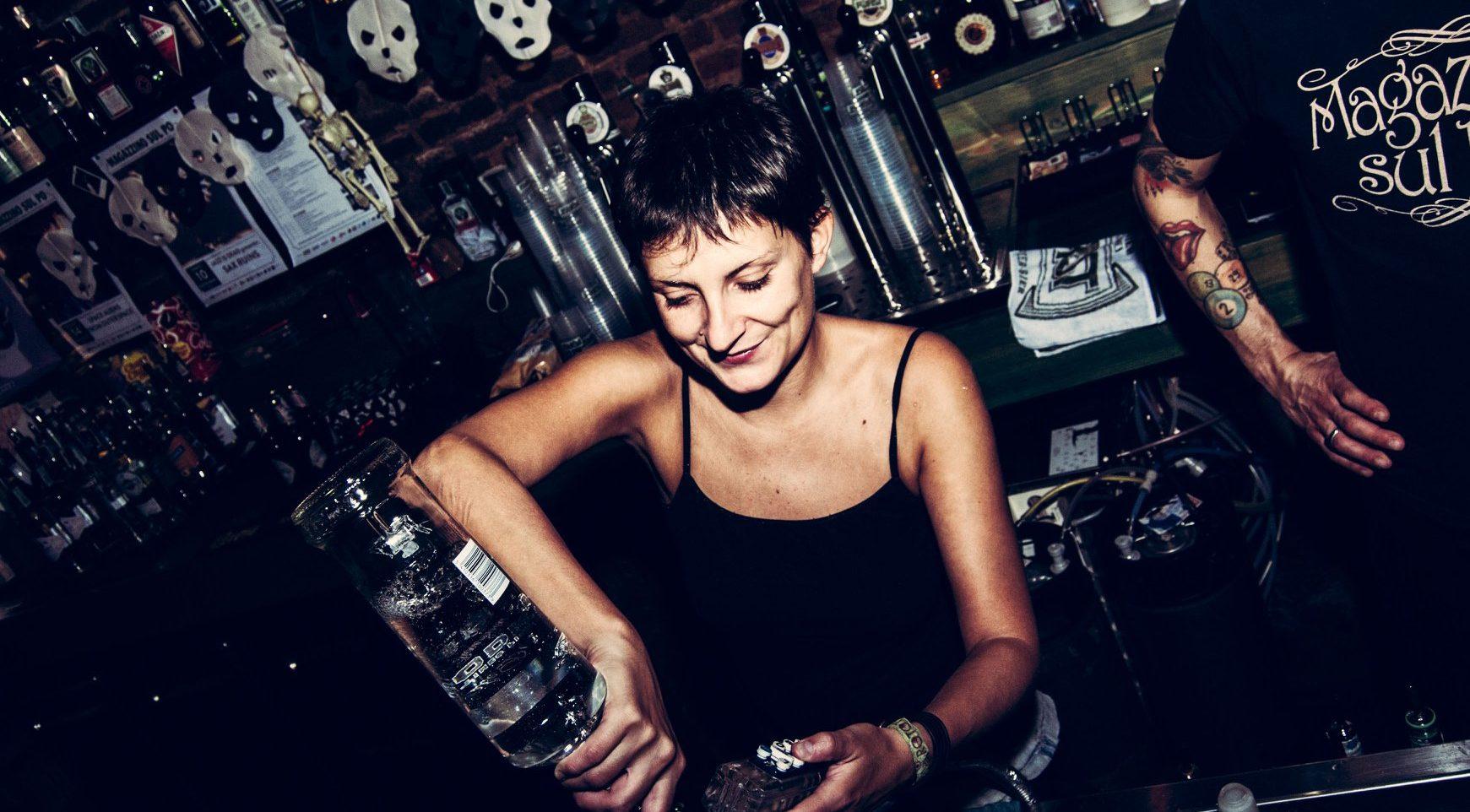 Anna dei Magazzino sul Po e Giancarlo del Paddock pub ci raccontano di concerti e di cocktail, di dj set e di porte, e cucine, aperte fino al mattino
