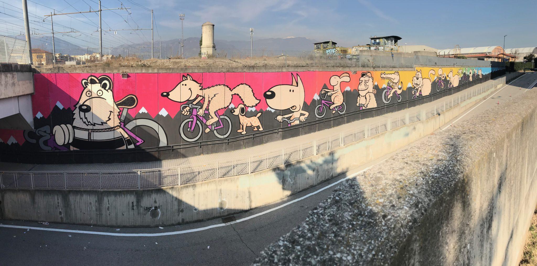 Una parata di animali in bicicletta, una sfilata di orsi e coccodrilli. RAME project a Bassano: i nuovi lavori di Ericailcane e Cento Canesio