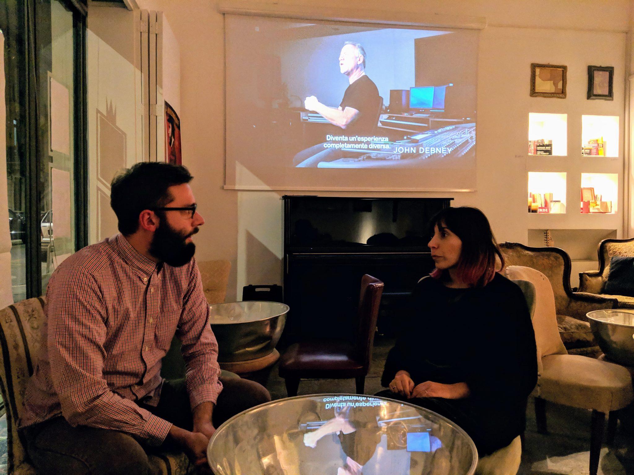 Documentari in lingua originale, rassegne cinematografiche, piccola enoteca ma anche laboratorio di idee aperto a tutti