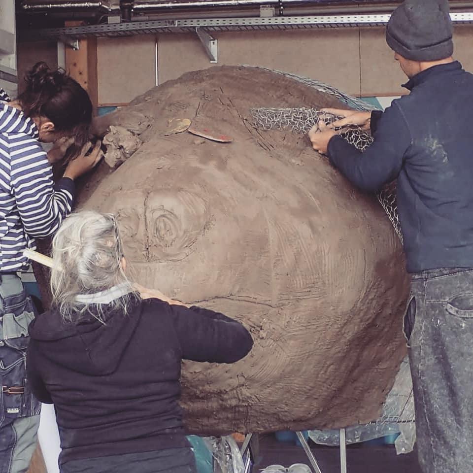 Chi c'è dietro le maschere del carnevale di Viareggio? Una galleria di ritratti e di racconti da uno dei carnevali più importanti d'Italia
