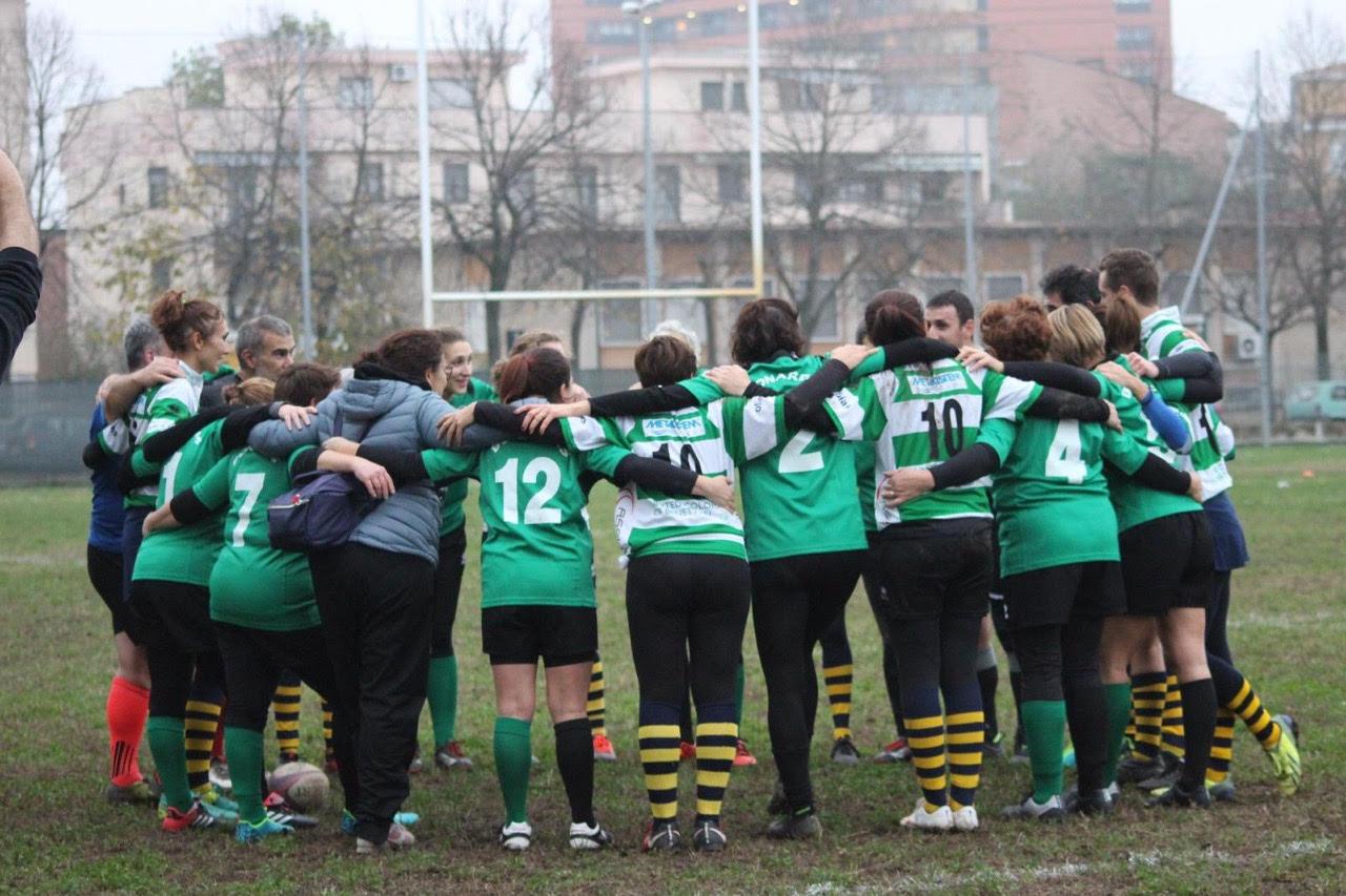 Dopo gli allenamenti, siamo stati a cena le Bonardas, la squadra di rugby femminile di Alessandria. Un terzo tempo a base di birra tra i locali della città