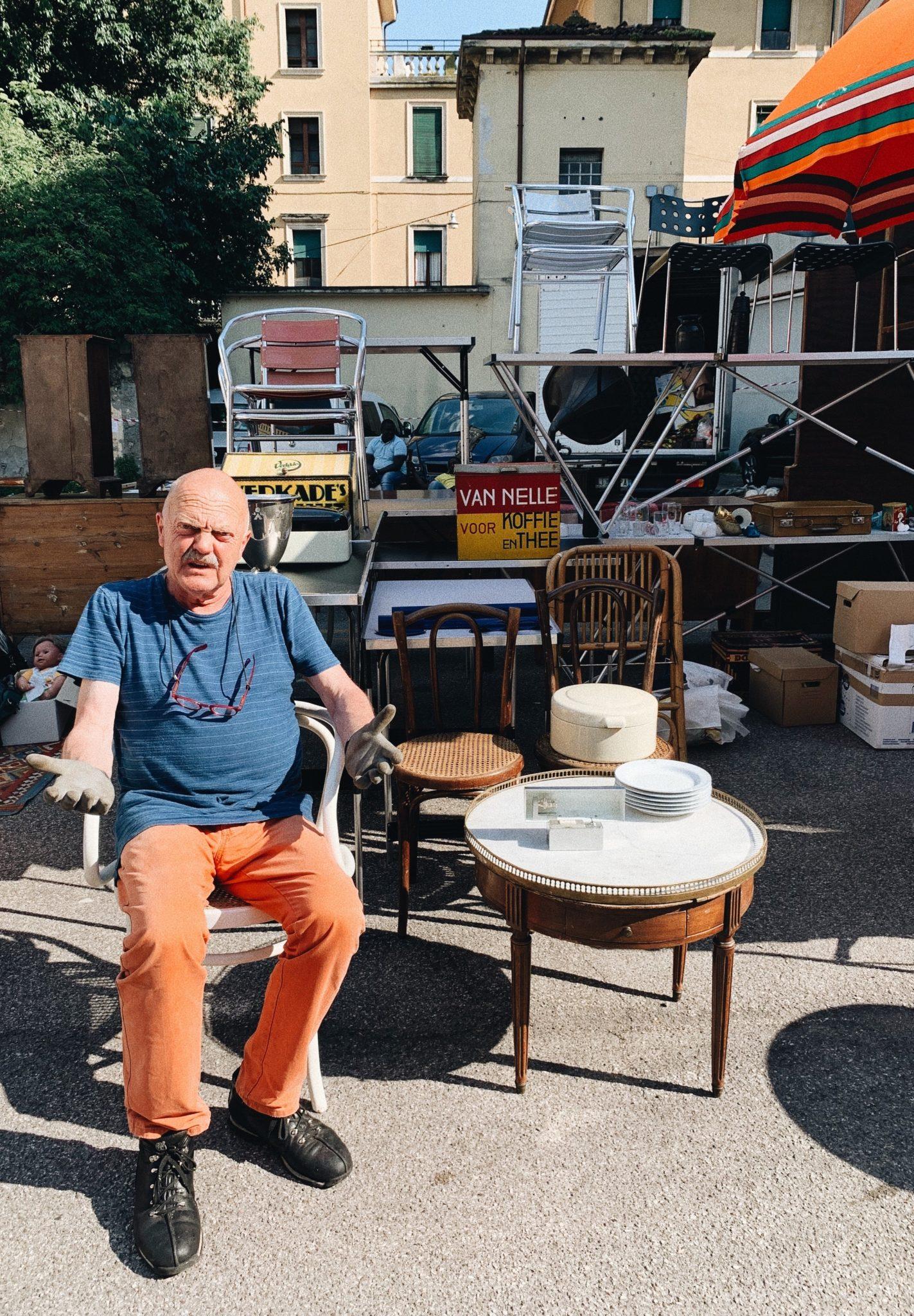 Ogni prima domenica del mese, in zona San Zeno, a pochi passi dal centro città c'è Verona Antiquaria, il mercato vintage tutto da scoprire
