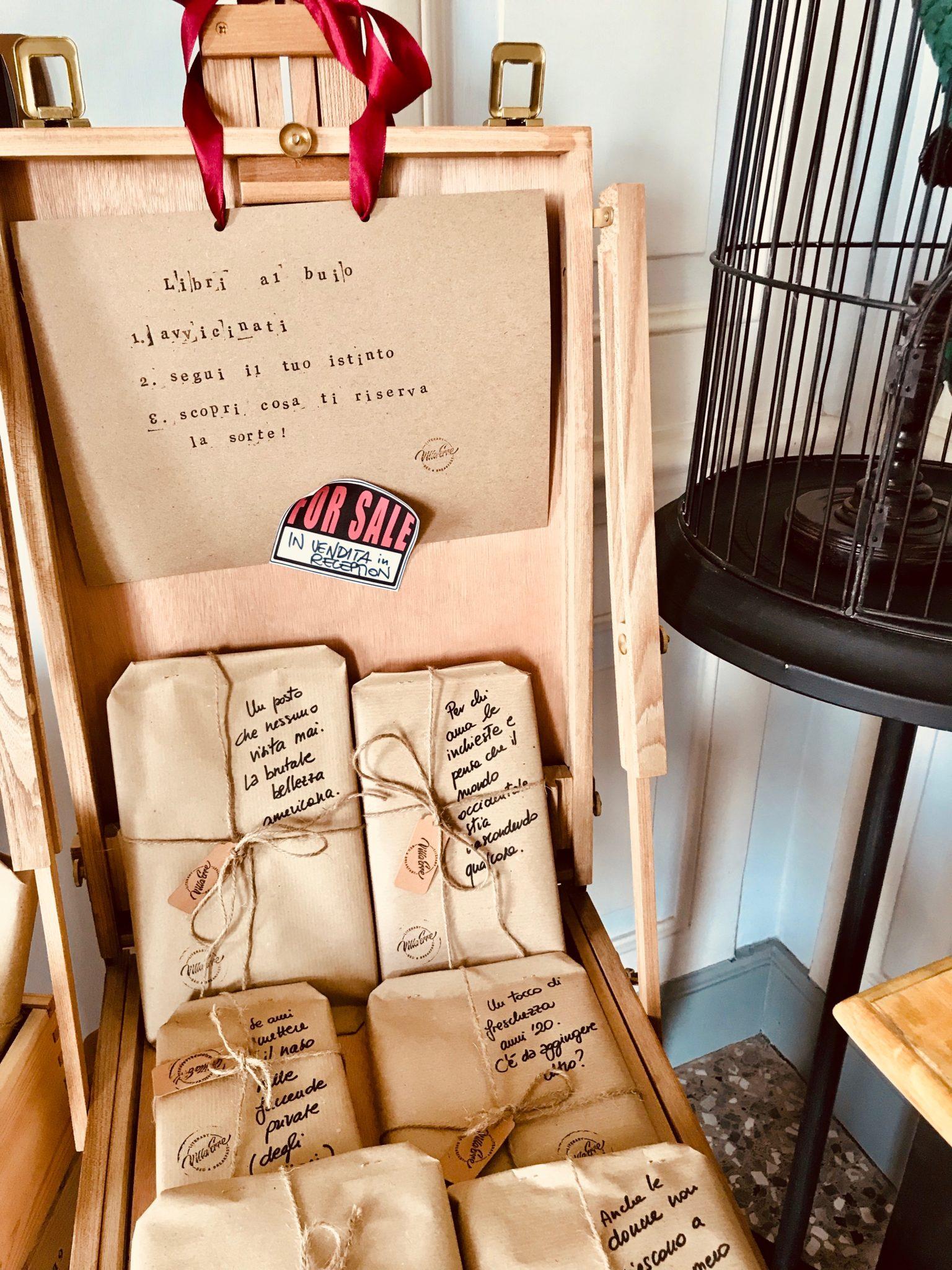 Un Bed&Breakfast letterario dedicato agli amanti della lettura e della scrittura. Oltre 1000 titoli da scoprire in una Villa di fine '800 immersa nel verde.