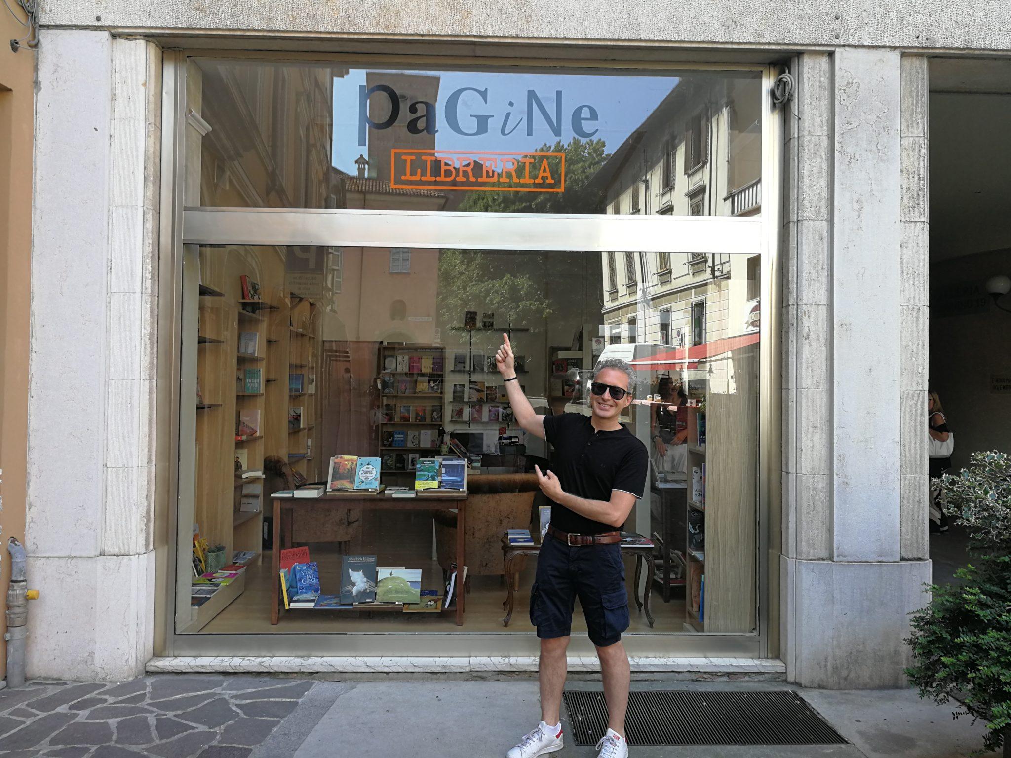 A Piacenza ha appena aperto una nuova libreria. Propone narrativa nordamericana e letteratura sudamericana: in pochi metri quadri, oltre 16.000 km di storie