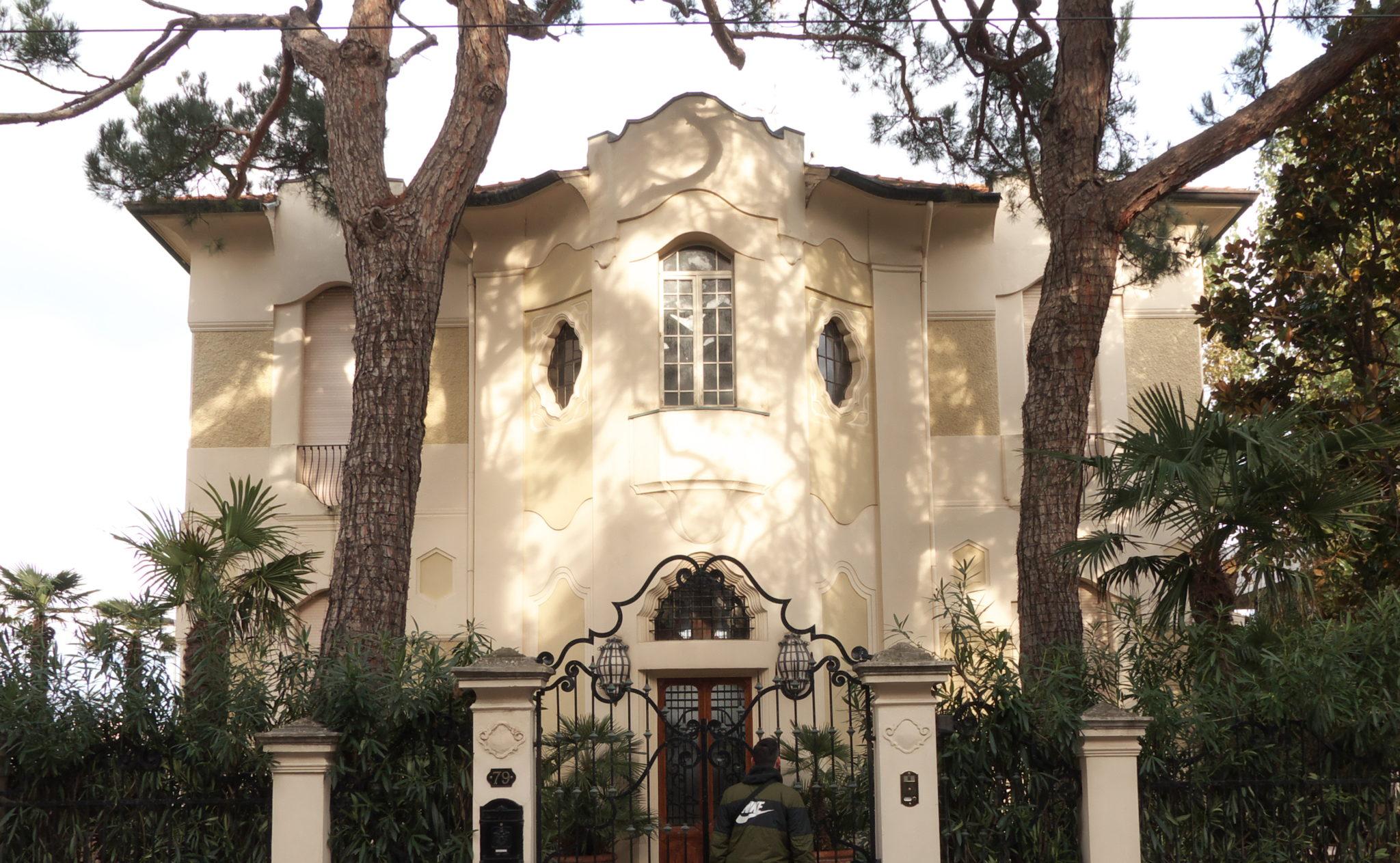 Ville in stile liberty, colonna sonora jazz, bistrot con l'anima da osteria: un giro nel quartiere Abissinia, il più autentico di Riccione